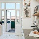 Маленькая квартира с белыми стенами