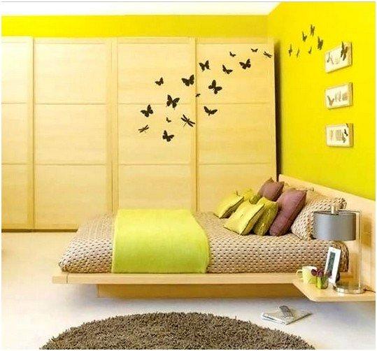 Кисло-желтый цвет спальни