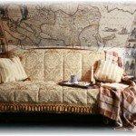 Плед на диване