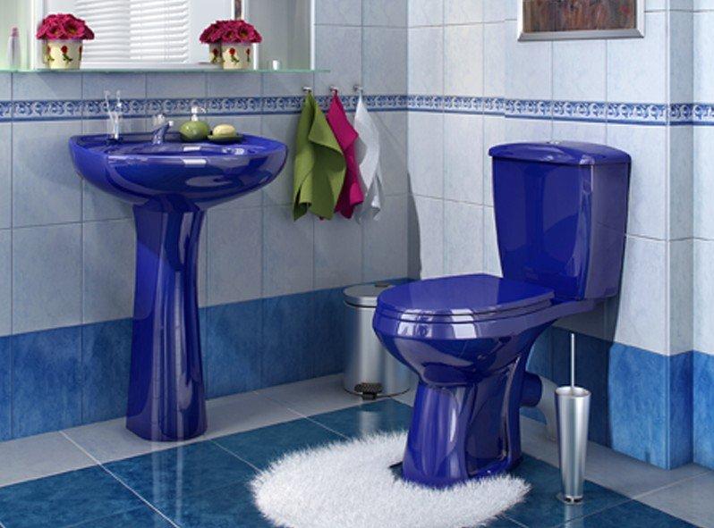 Синий унитаз