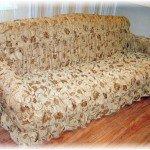 Цветочный чехол для дивана