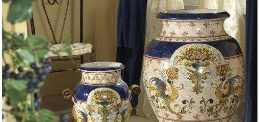 Античные вазы для цветов