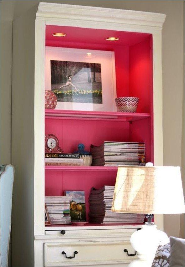 Яркие цвета внутри шкафов