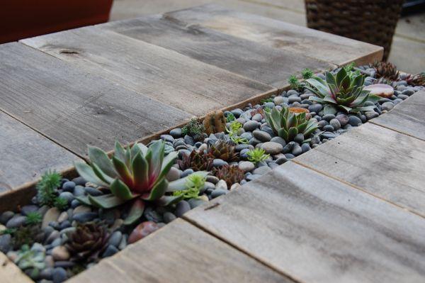Поделки из камней -Необычный стол