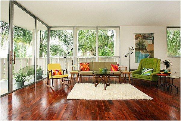 Как сделать потолки выше.. Используйте стеклянные стены или окна