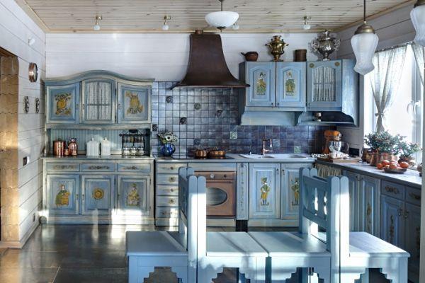 Гжель и хохлома в оформлении кухни
