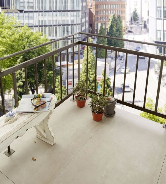 Как сделать угловой столик на балкон своими руками.