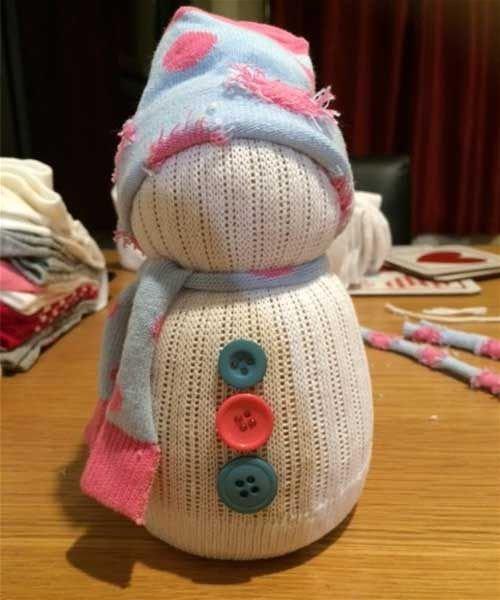 Как сделать снеговика из носка своими руками шаг 14