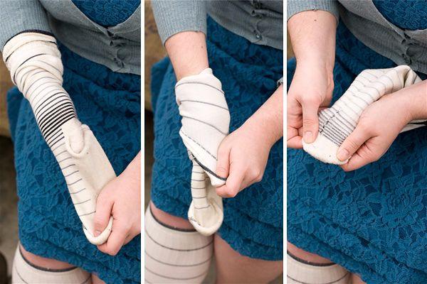 Как сделать снеговика из носка своими руками шаг 3