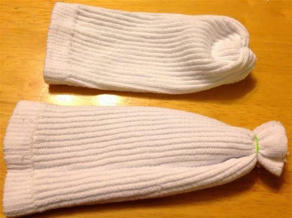 Как сделать снеговика из носка своими руками шаг 5