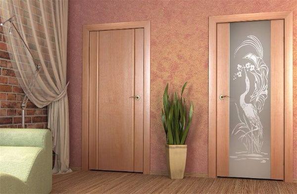 Какие двери в ванную подойдут для Вашей квартиры  - с большим стеклом