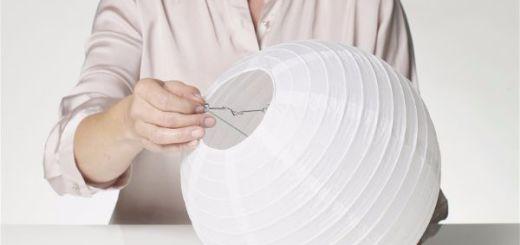 Можно сделать светильник  из бумажных стаканчиков шаг 1
