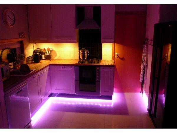 Современное освещение. Светодиодная лента в интерьере кухни