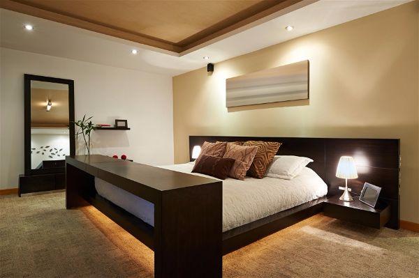Современное освещение. Светодиодная лента в интерьере спальни