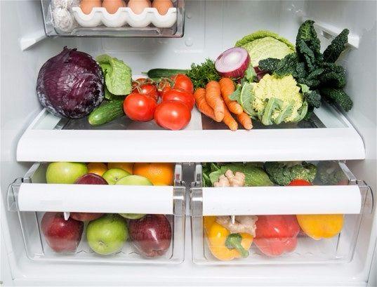 Весенняя уборка по фэн шуй.  Тщательно очистите холодильник