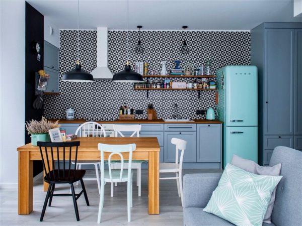 Восхитительно красивый синий цвет на кухне