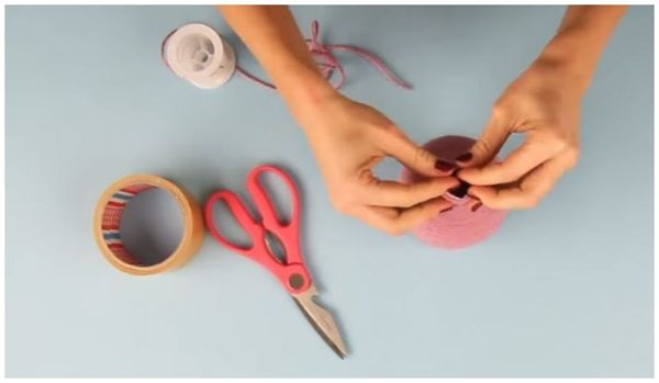 Как сделать лампу из бутылки своими руками Закрепить шнур
