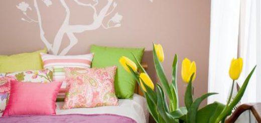 Тюльпаны в вазе как украшение