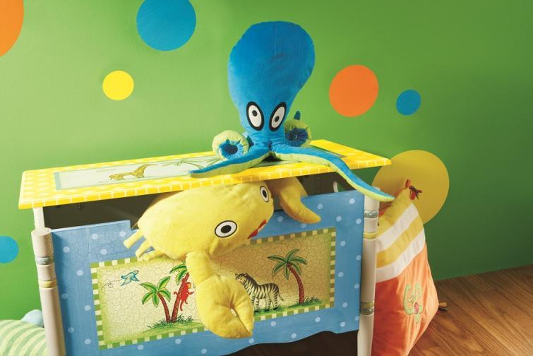 ящик для игрушек в детской комнате