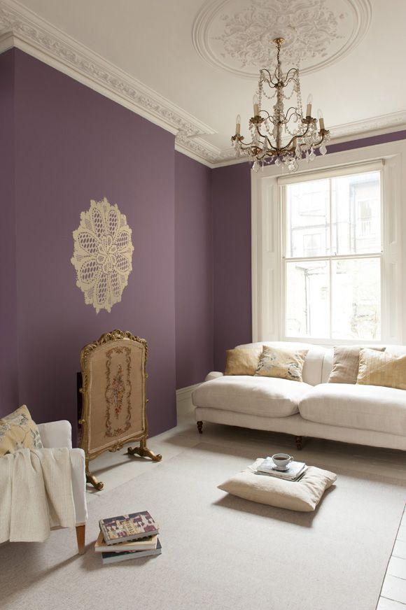 фиолетовая стена