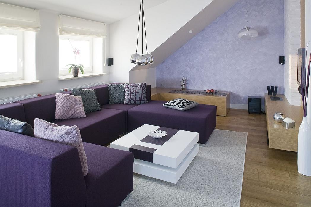 нежный оттенок фиолетового на стенах