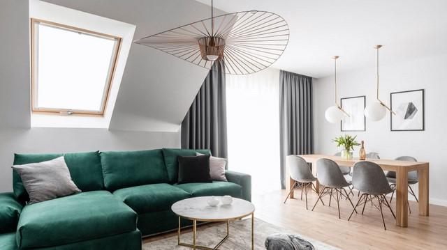 Надежный рецепт изысканный интерьер: изумрудная диван и медные детали