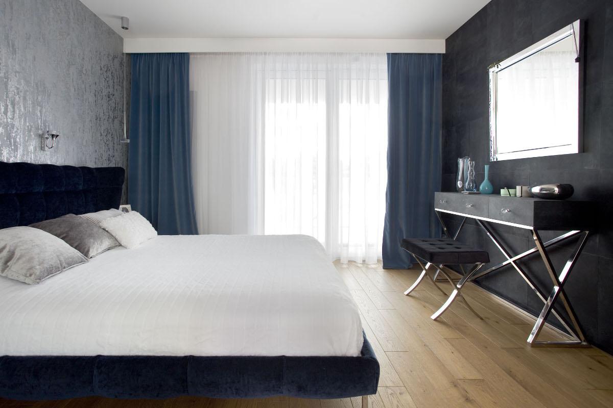 ламинат на полу спальни