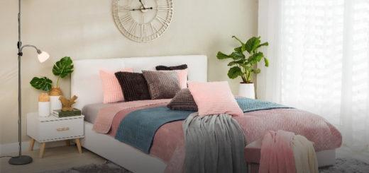 постельное белье на кровати