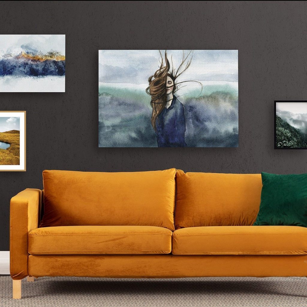 галерея из картин в гостиной