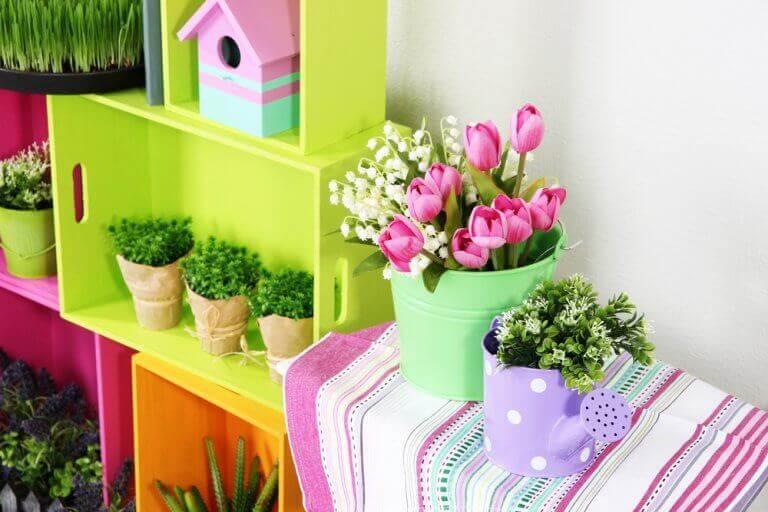 яркие аранжировки цветами