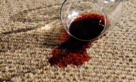 Избавишься от пятен на ковре