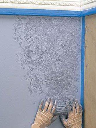 отпечатки тканью на стене