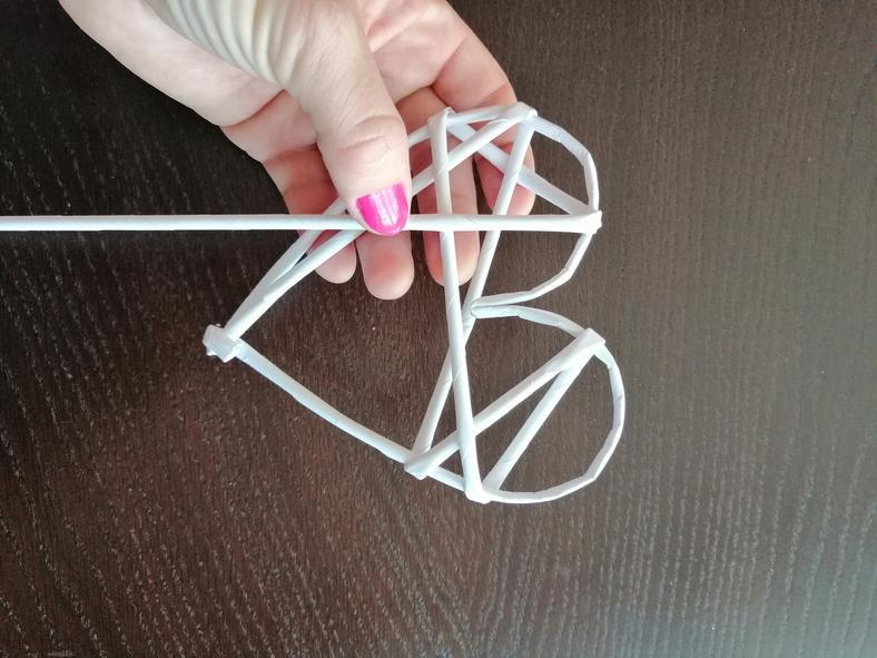 Как сделать елочные украшения из бумаги